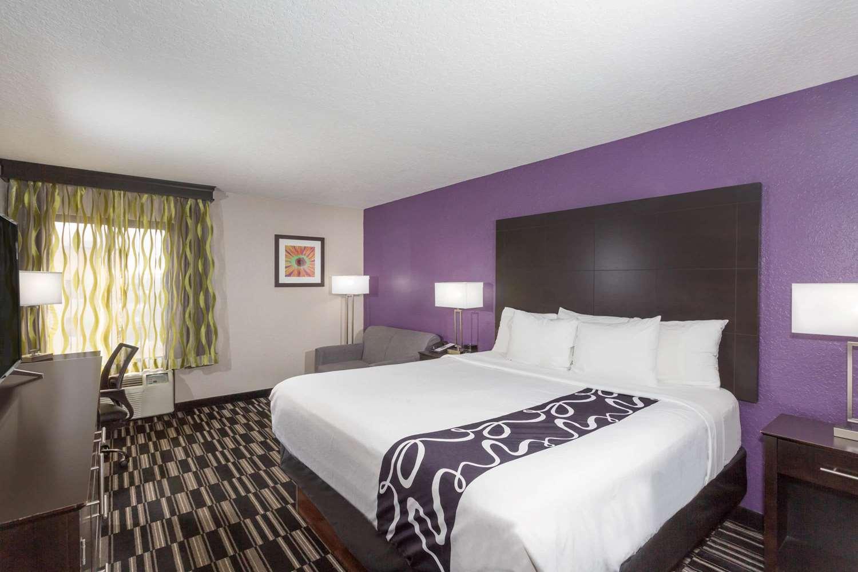 Suite - La Quinta Inn Universal Studios Orlando