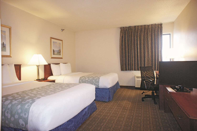 Room - La Quinta Inn Southwest Omaha