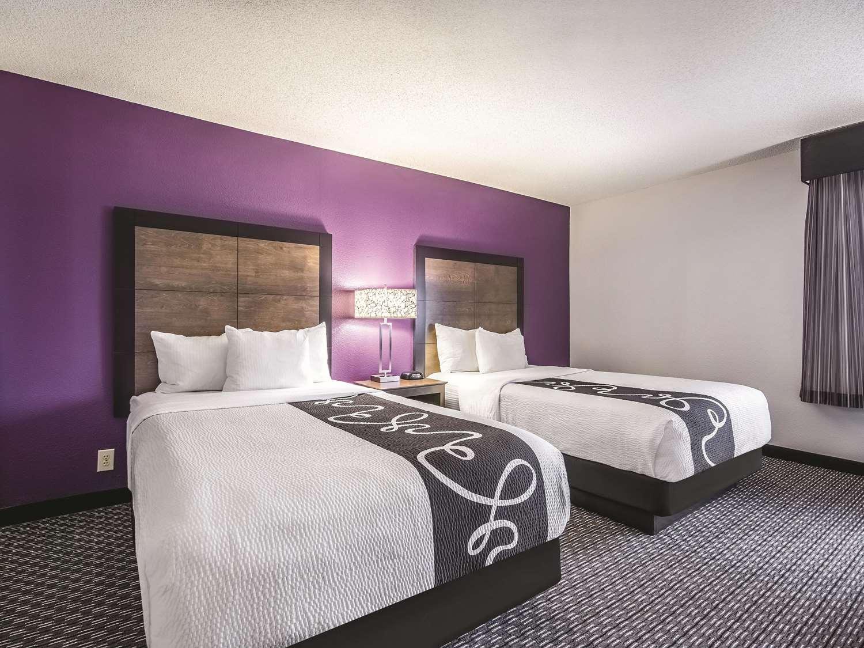 Room - La Quinta Inn Bradley Airport Windsor Locks