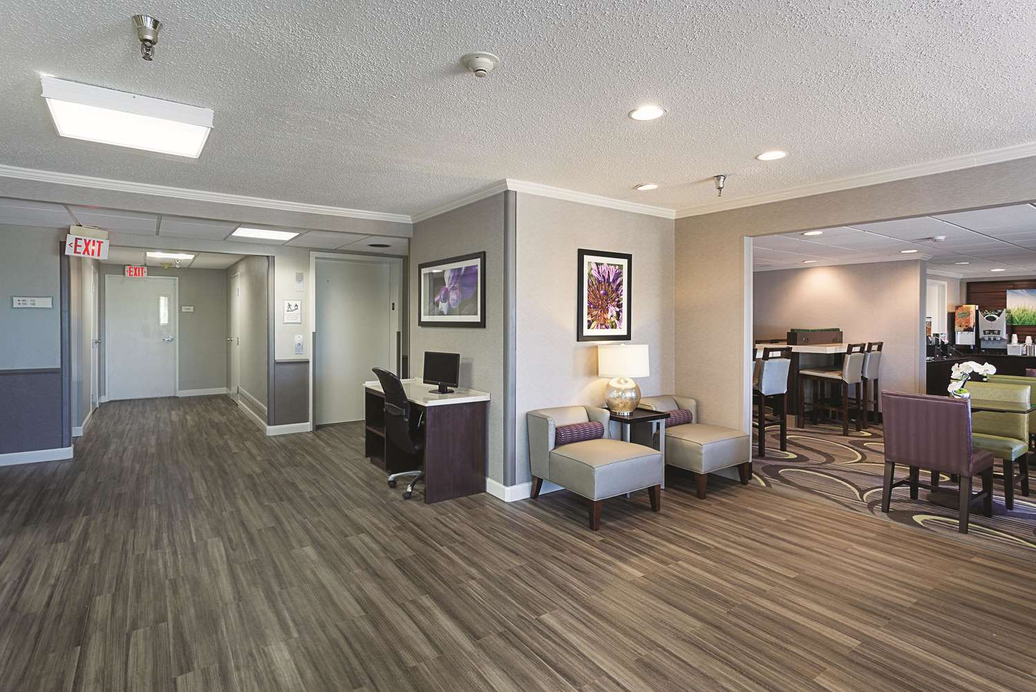 Lobby - La Quinta Inn & Suites Baton Rouge
