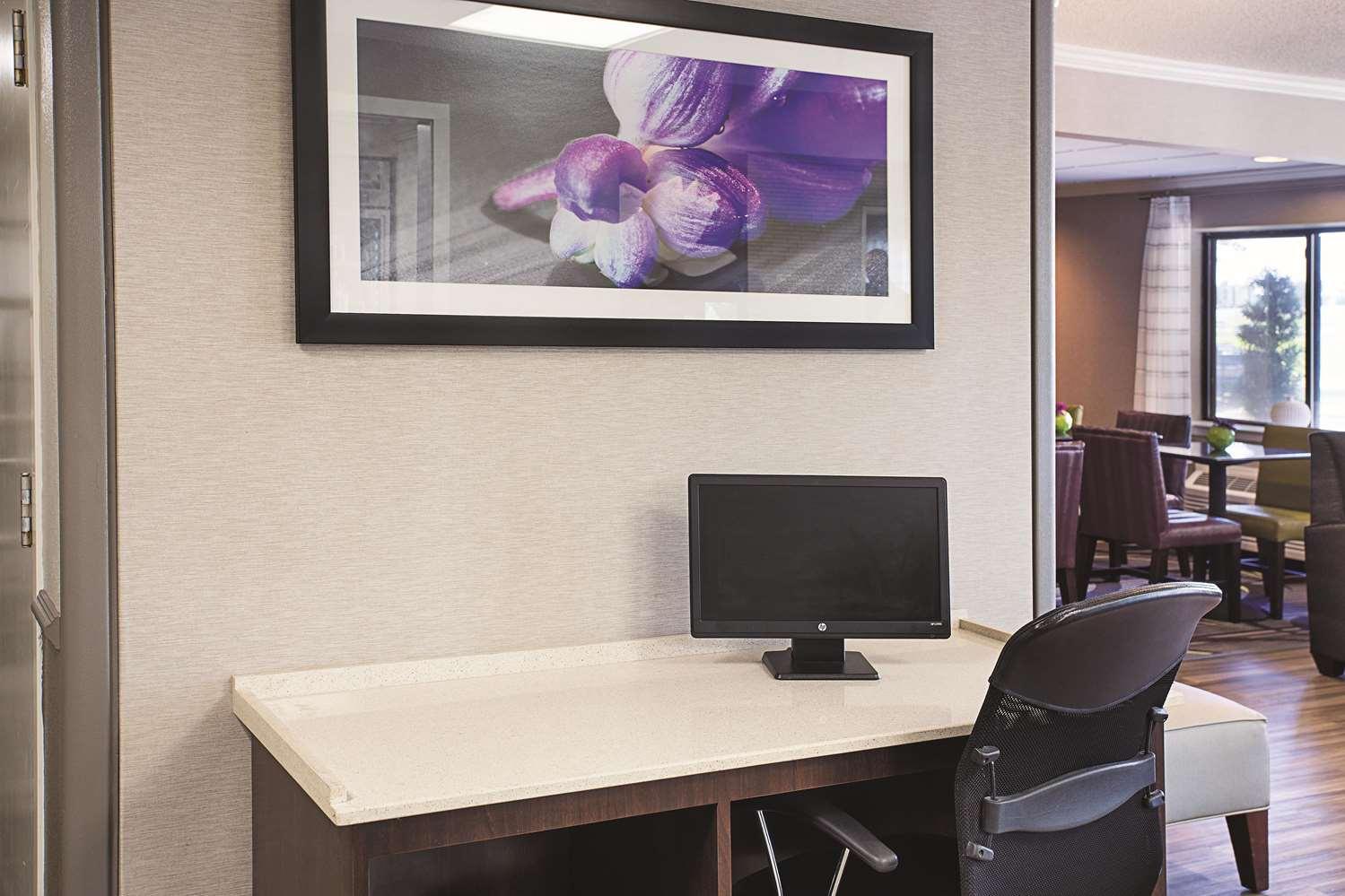 Conference Area - La Quinta Inn & Suites Baton Rouge