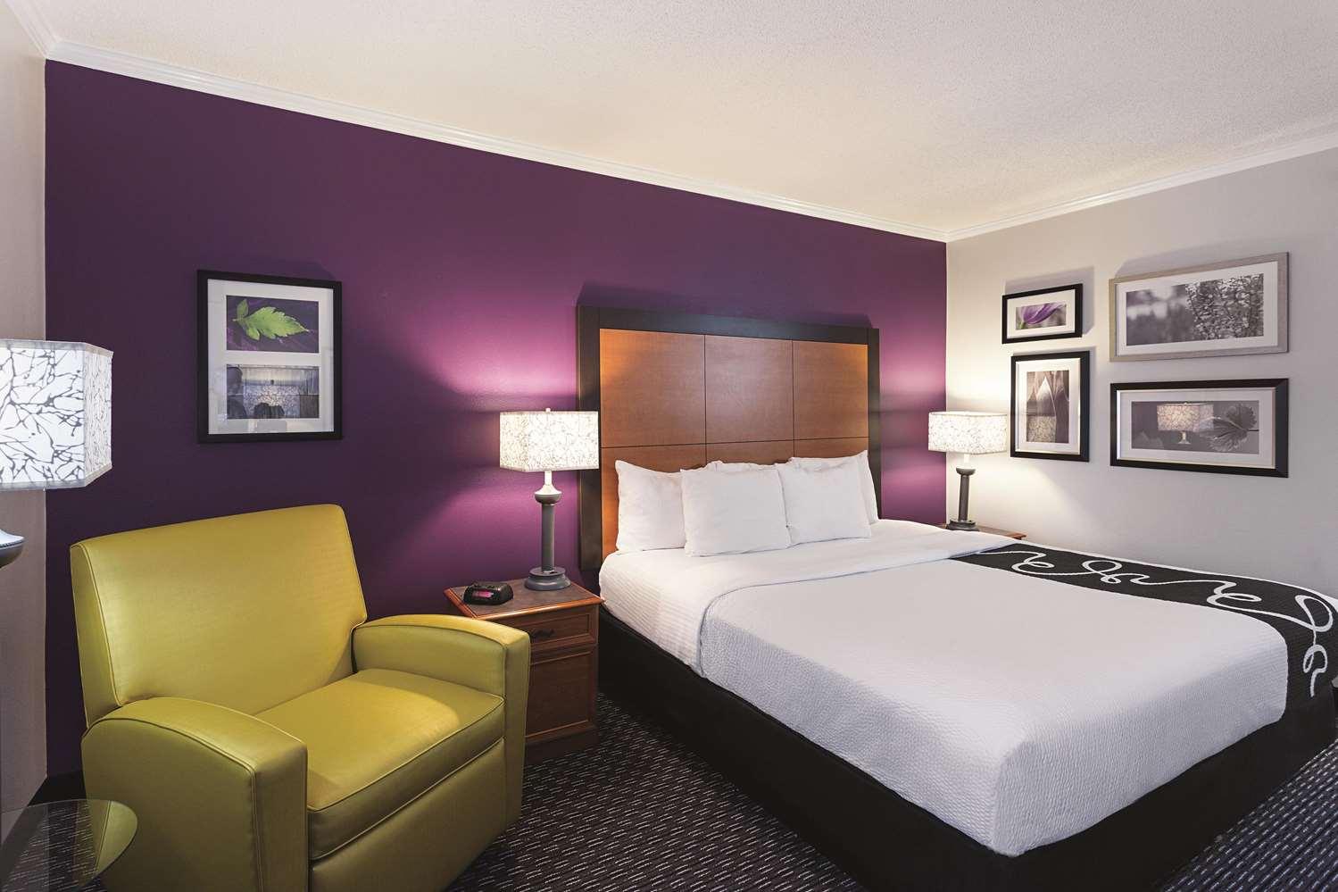 Room - La Quinta Inn & Suites Baton Rouge