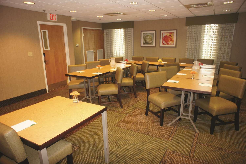 Meeting Facilities - La Quinta Inn & Suites Somerville