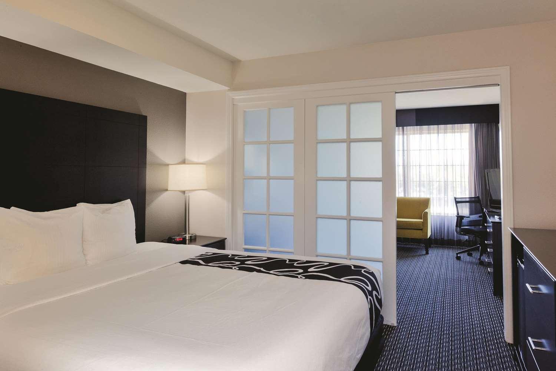 Suite - La Quinta Inn & Suites Disneyland Anaheim