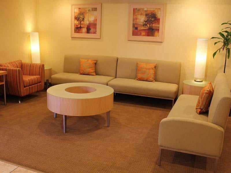 Lobby - La Quinta Inn Northeast Fort Lauderdale