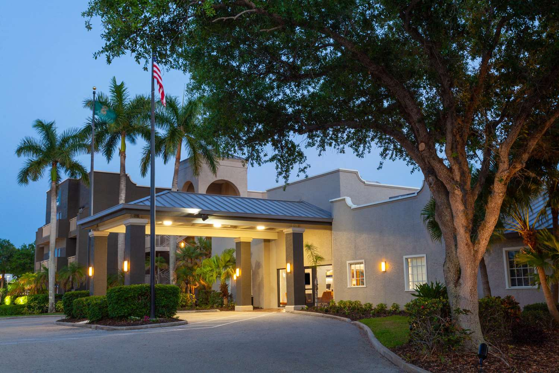 Exterior view - La Quinta Inn & Suites Sanibel Fort Myers