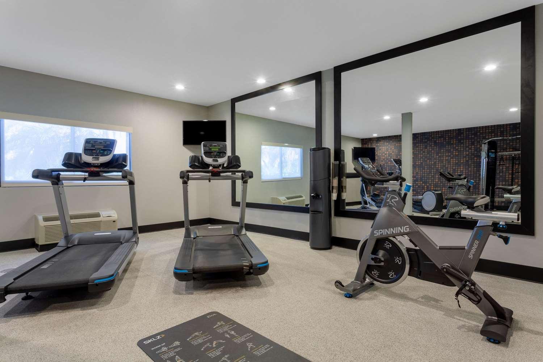Fitness/ Exercise Room - La Quinta Inn & Suites Sanibel Fort Myers