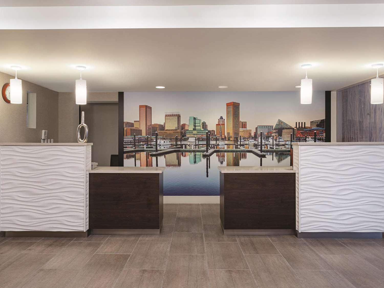 Lobby - La Quinta Inn & Suites Rosedale