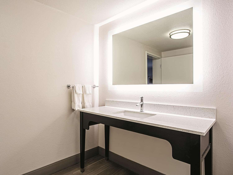 Room - La Quinta Inn & Suites Rosedale