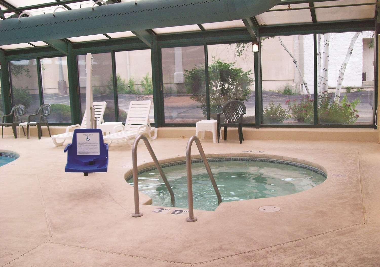 Pool - La Quinta Inn Wausau