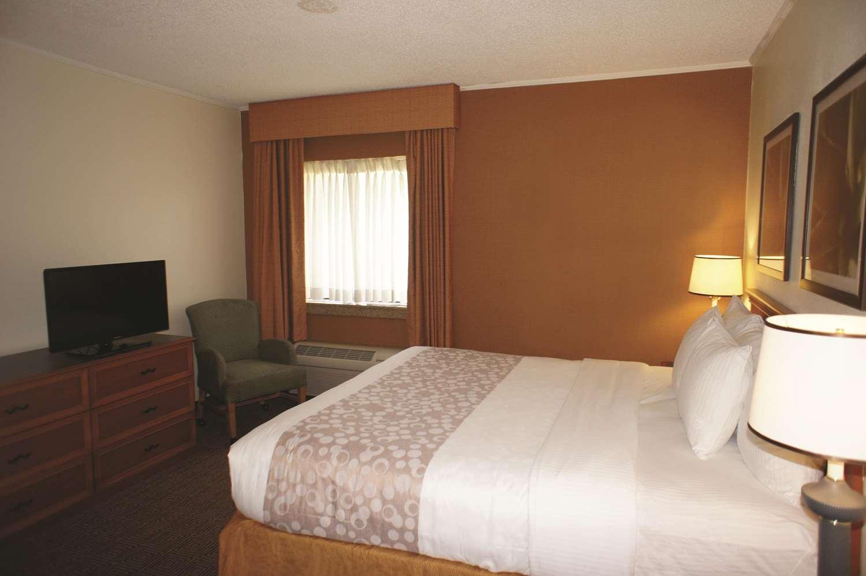 Suite - La Quinta Inn Southeast Tampa