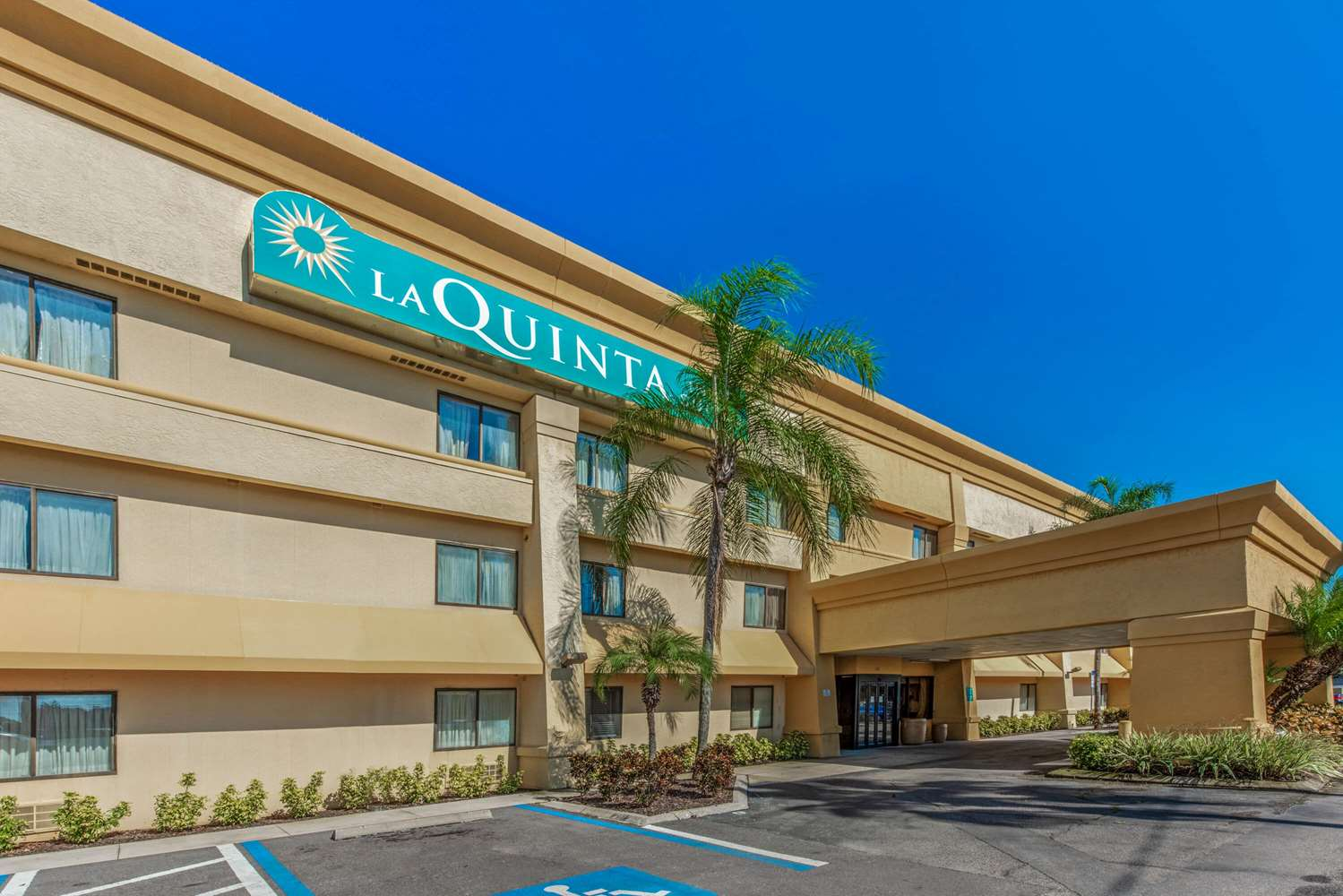 Exterior view - La Quinta Inn Southeast Tampa