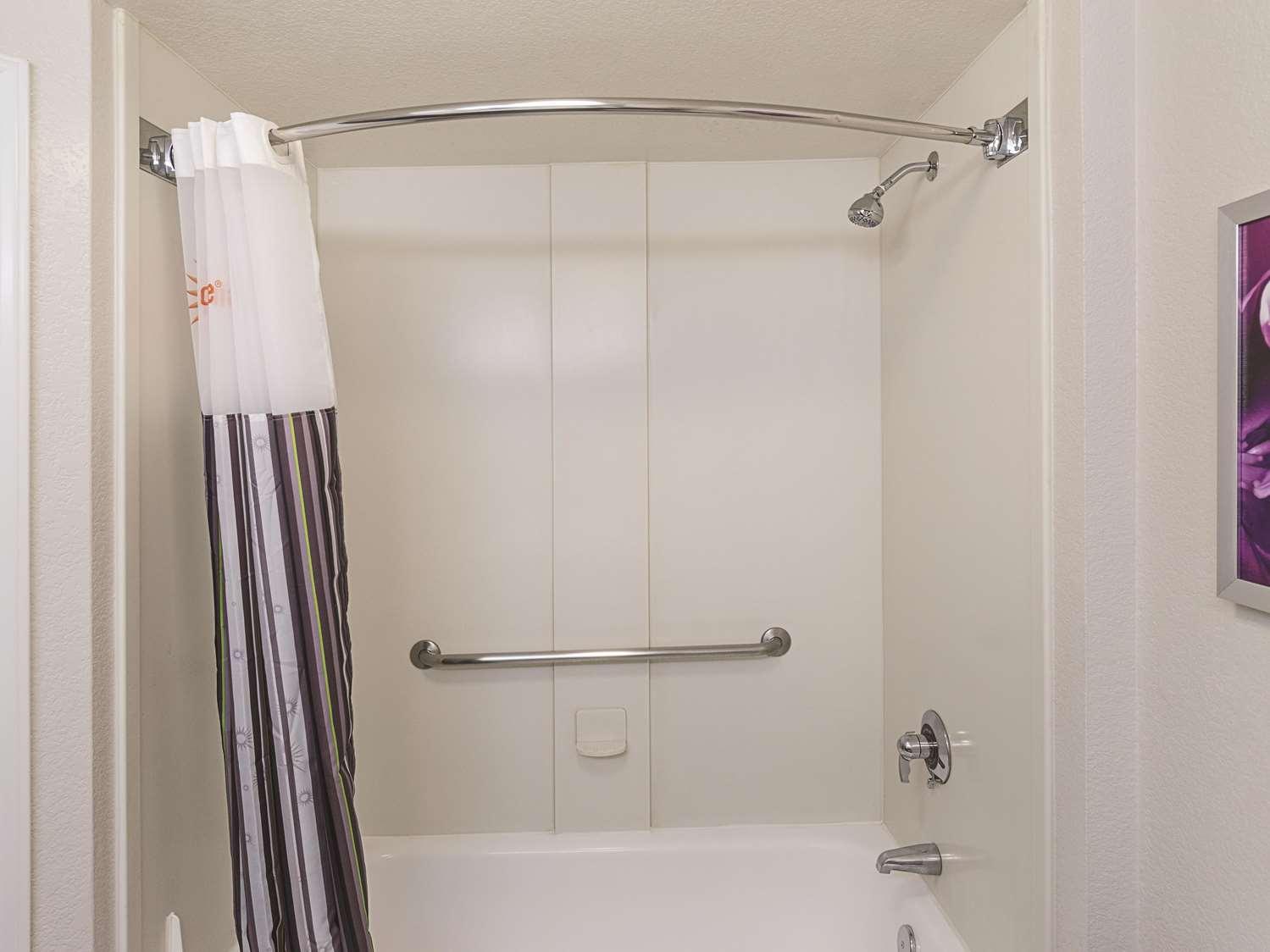 Room - La Quinta Inn & Suites North Little Rock