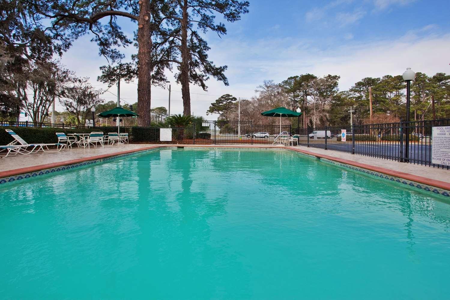 Pool - La Quinta Inn Southside Savannah