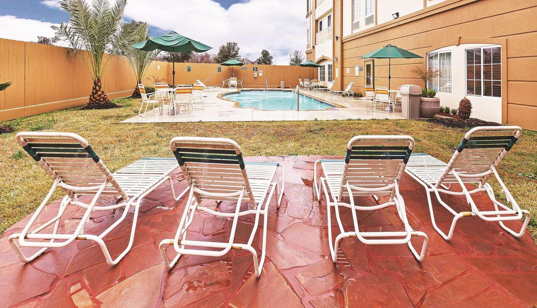 Pool - La Quinta Inn Hobby Airport Houston