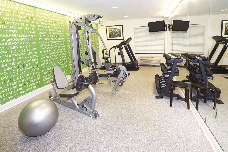 Fitness/ Exercise Room - La Quinta Inn & Suites Norfolk