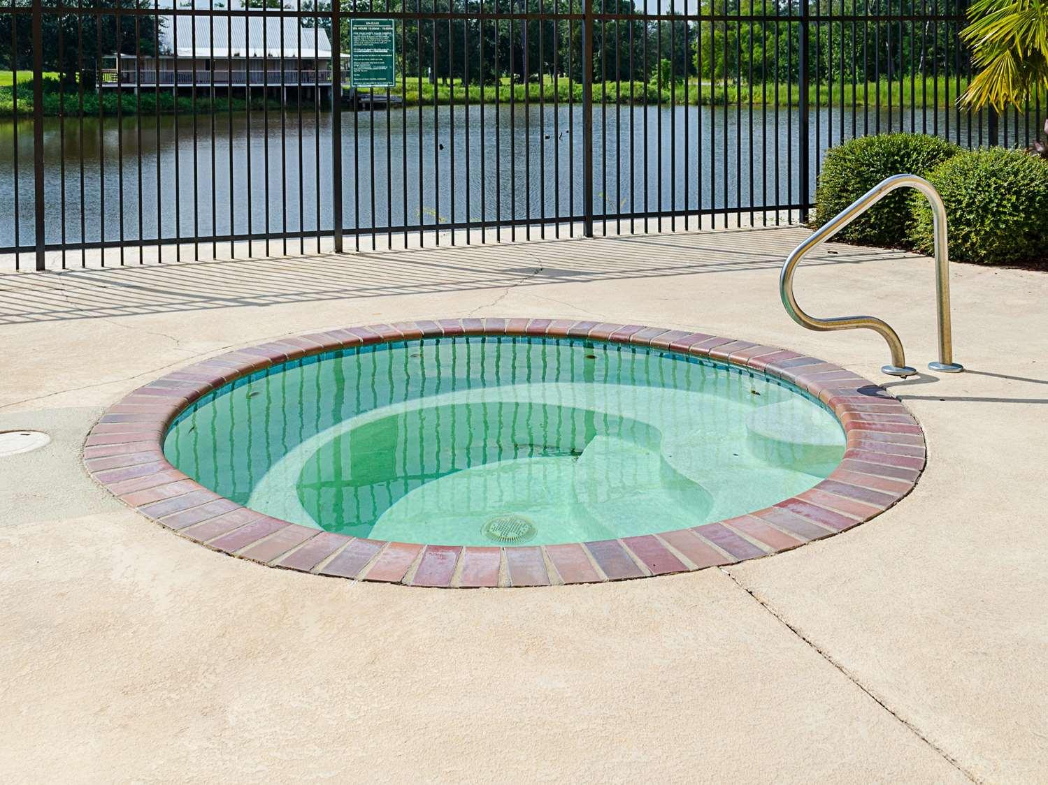 Pool - La Quinta Inn & Suites Biloxi