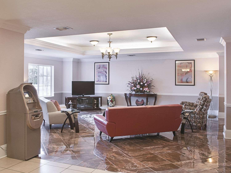 Lobby - La Quinta Inn & Suites Slidell