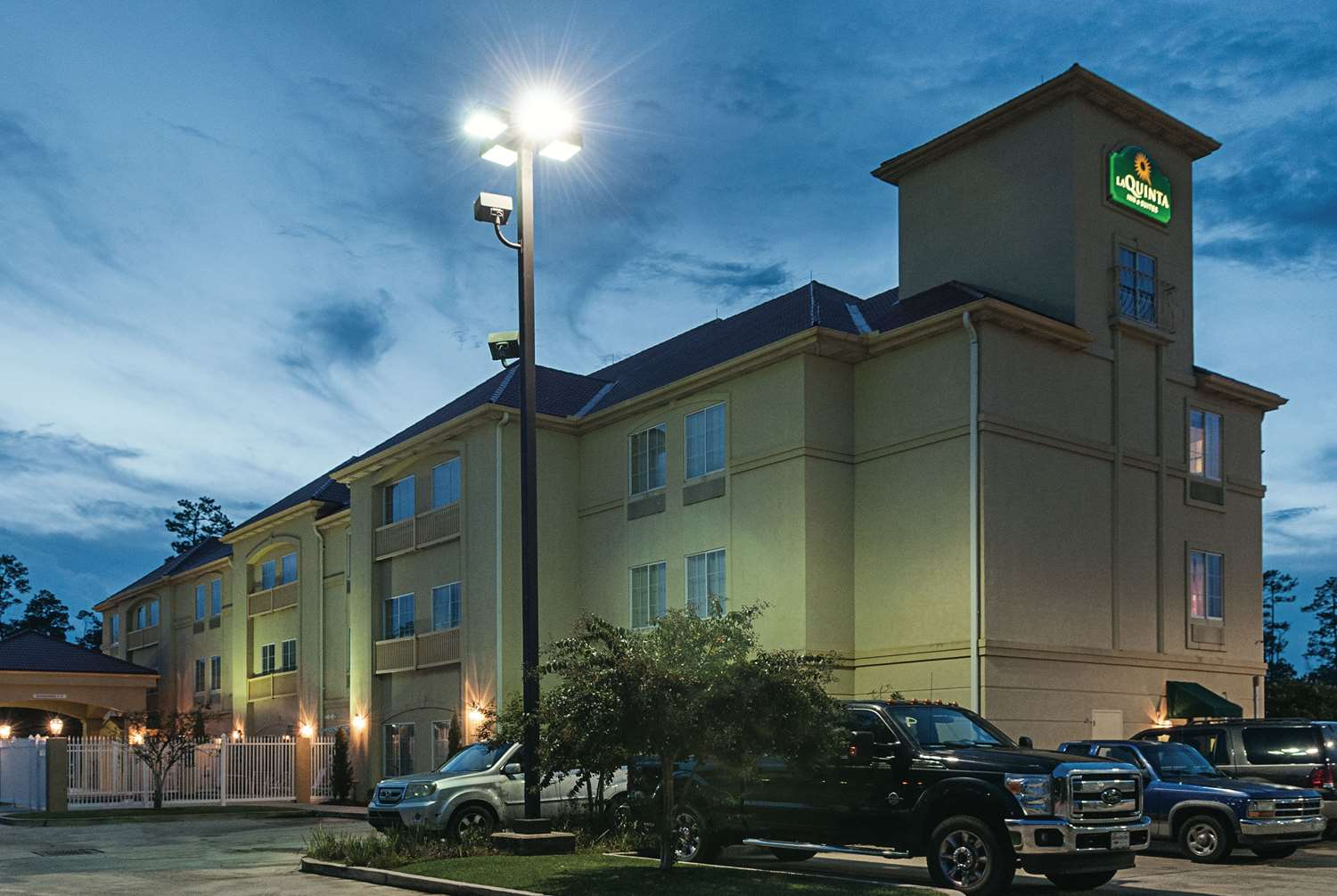 Exterior view - La Quinta Inn & Suites Slidell
