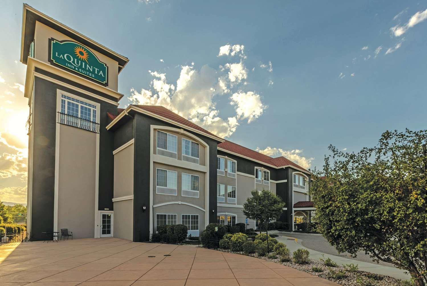 Exterior view - La Quinta Inn & Suites Loveland