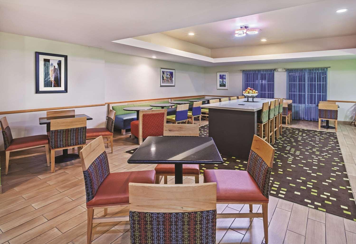proam - La Quinta Inn & Suites Paris