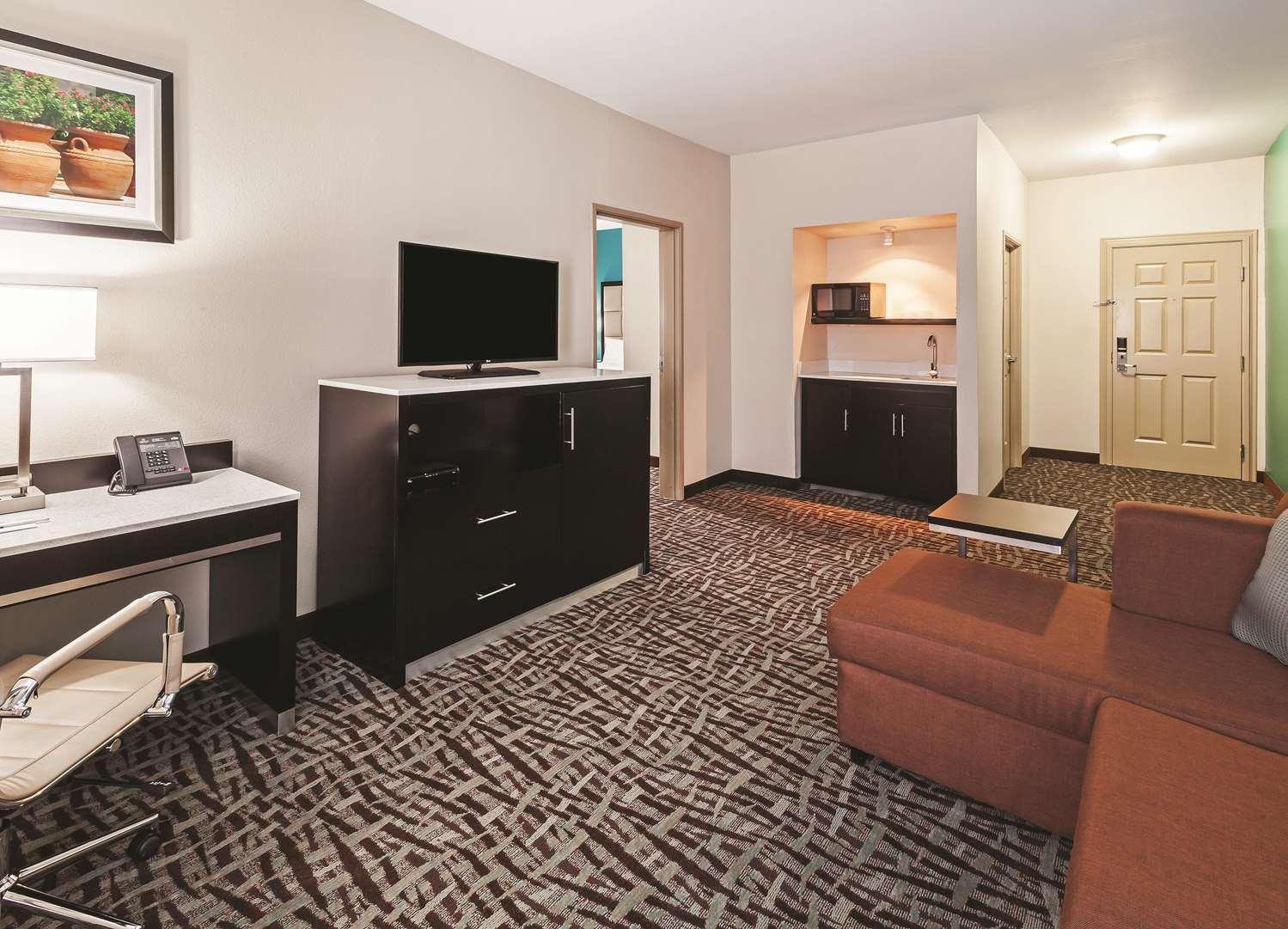 Room - La Quinta Inn & Suites Paris