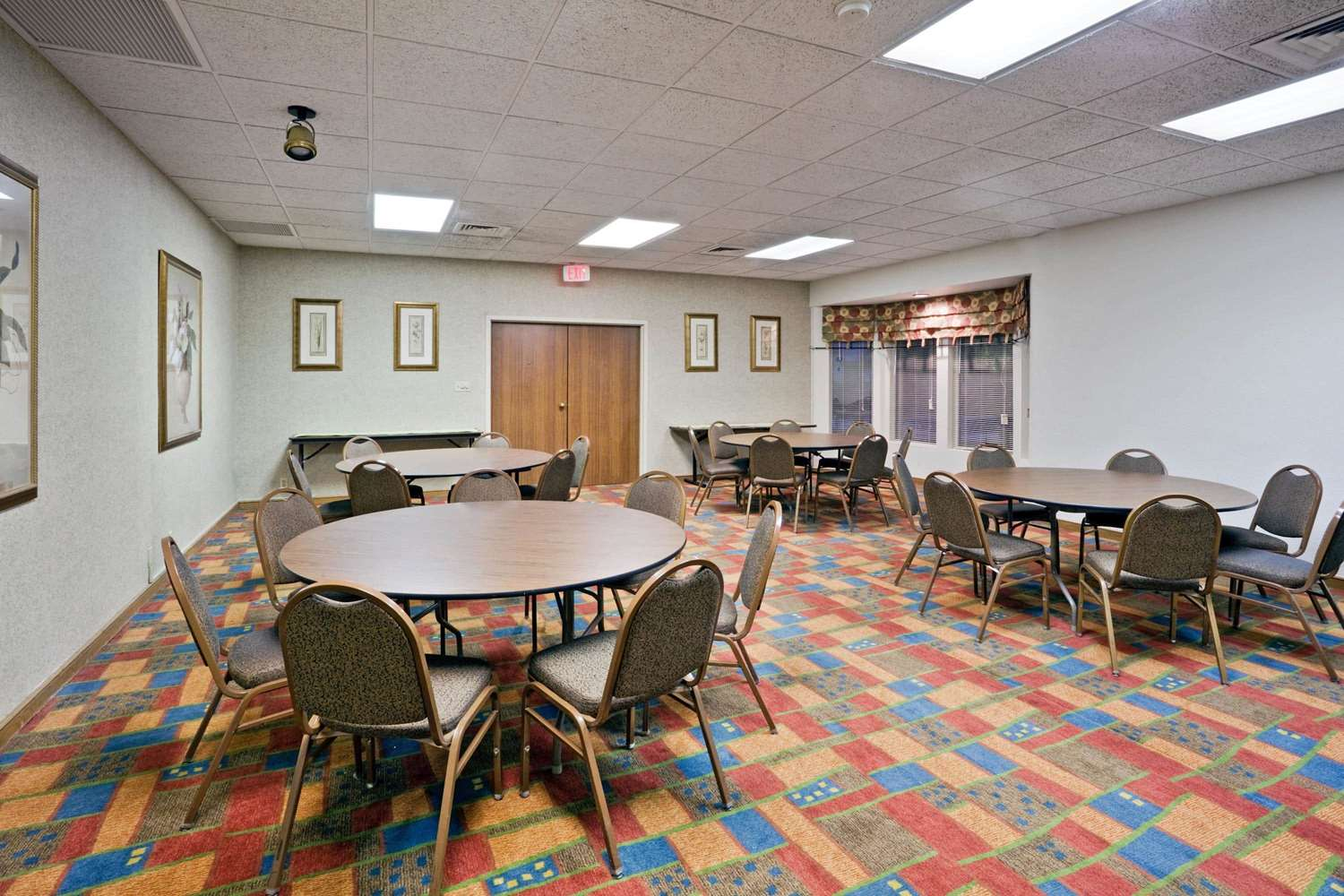 Meeting Facilities - La Quinta Inn & Suites Overland Park