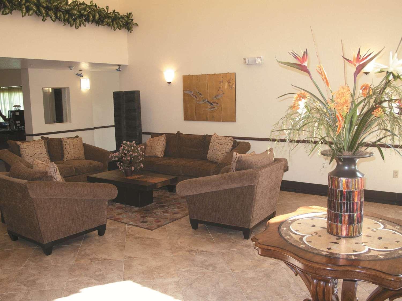 Lobby - La Quinta Inn Fort Pierce