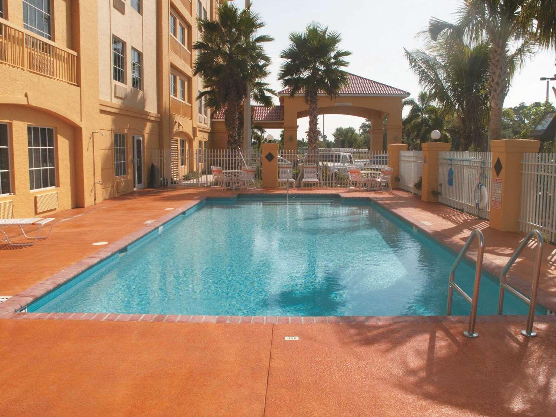 Pool - La Quinta Inn Fort Pierce