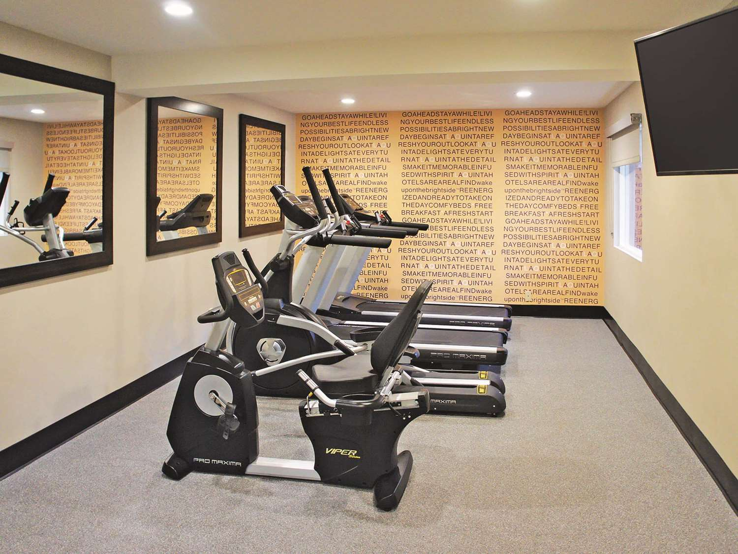 Fitness/ Exercise Room - La Quinta Inn Mission Valley San Diego