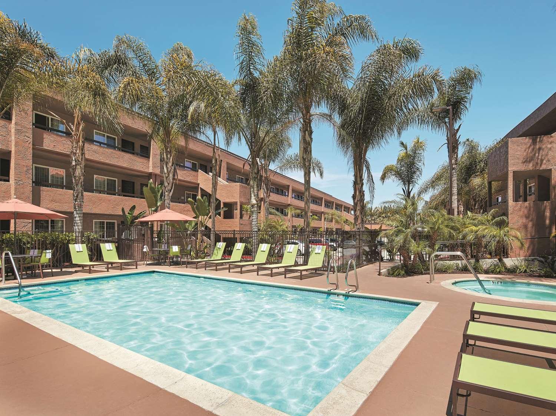 Pool - La Quinta Inn Mission Valley San Diego
