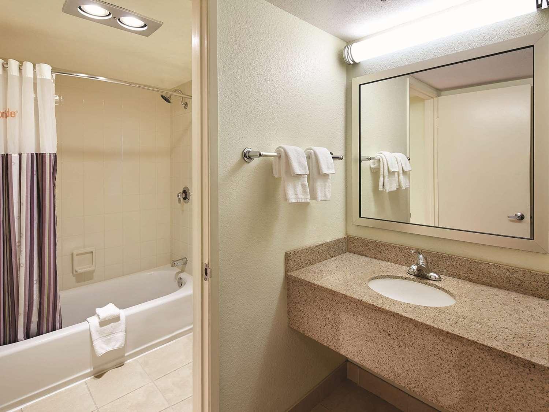 Room - La Quinta Inn Mission Valley San Diego