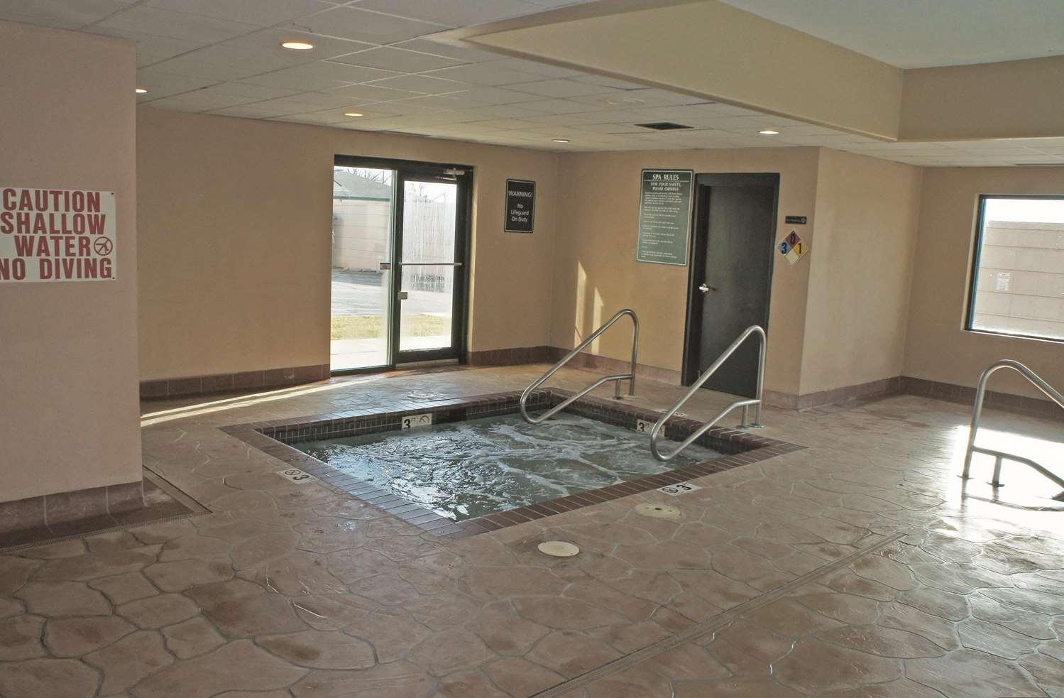 Pool - La Quinta Inn & Suites Carter Lake