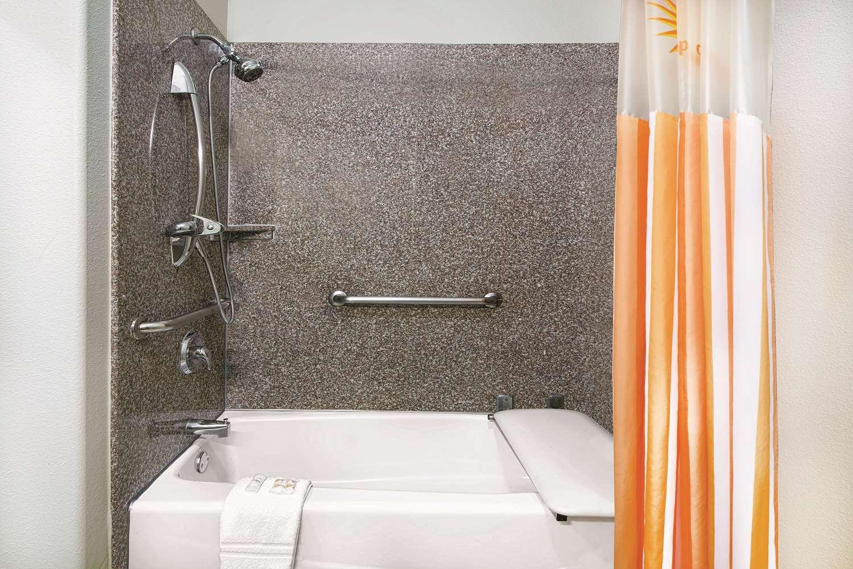 La Quinta Inn & Suites Mercedes, TX - See Discounts