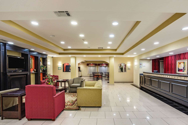 Lobby - La Quinta Inn & Suites Canton