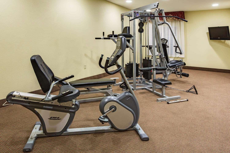 Fitness/ Exercise Room - La Quinta Inn & Suites Canton