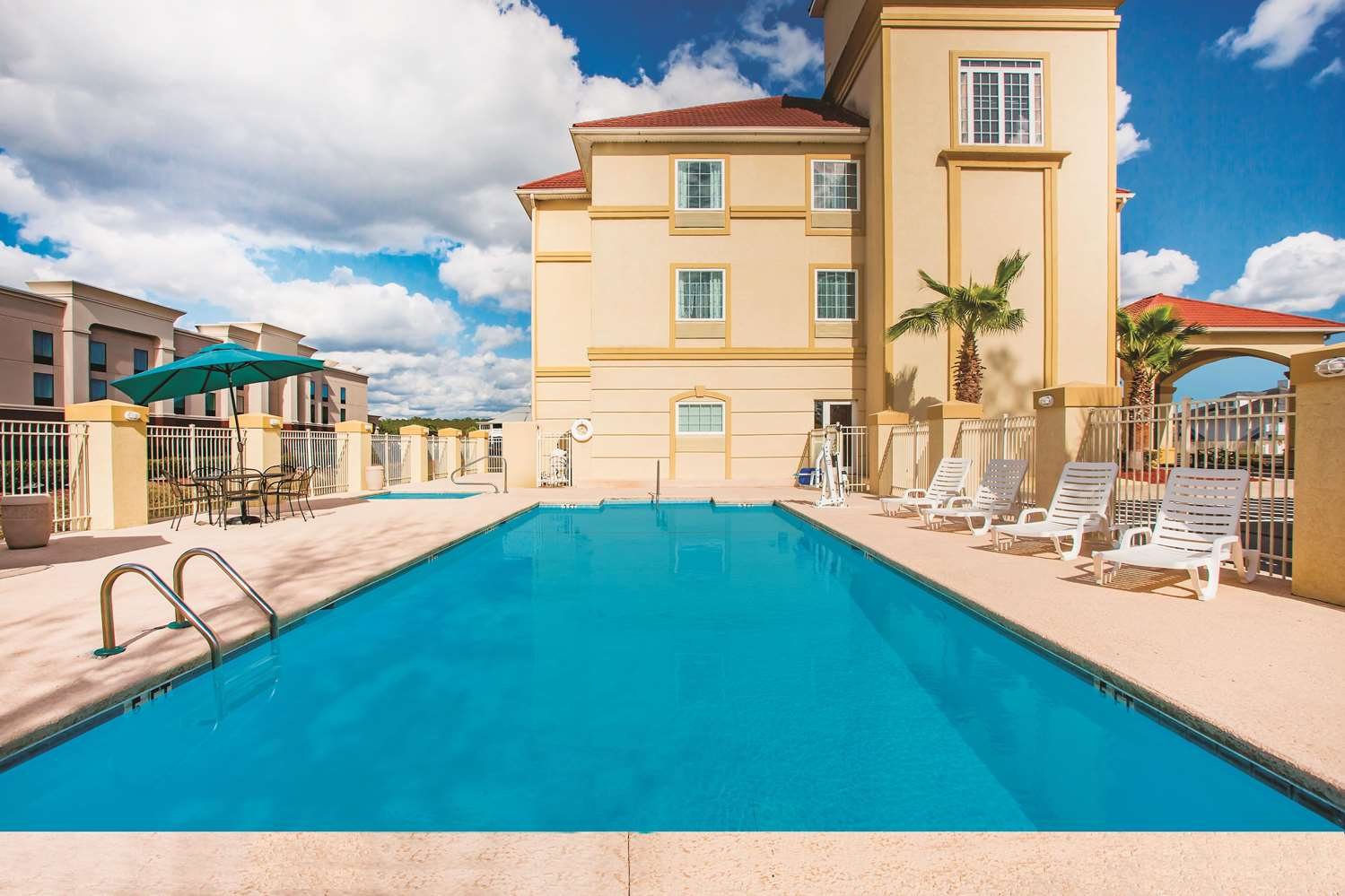 Pool - La Quinta Inn Kingsland