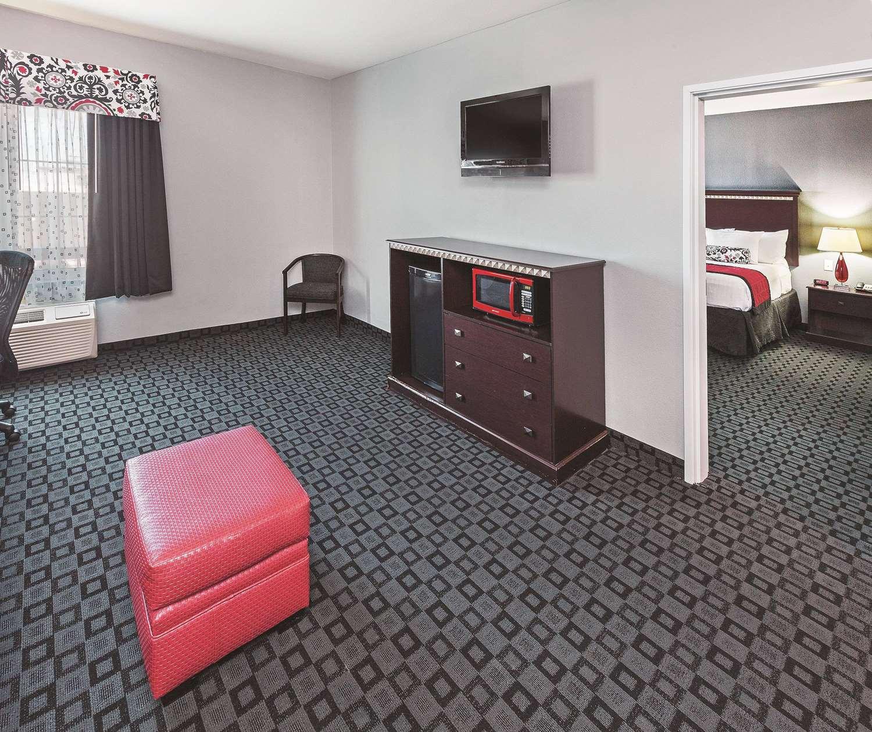 Suite - La Quinta Inn & Suites Decatur