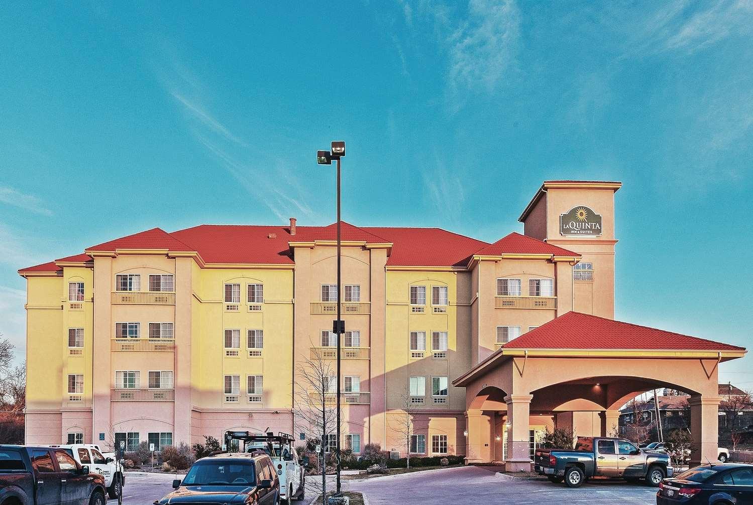 Exterior view - La Quinta Inn & Suites Decatur