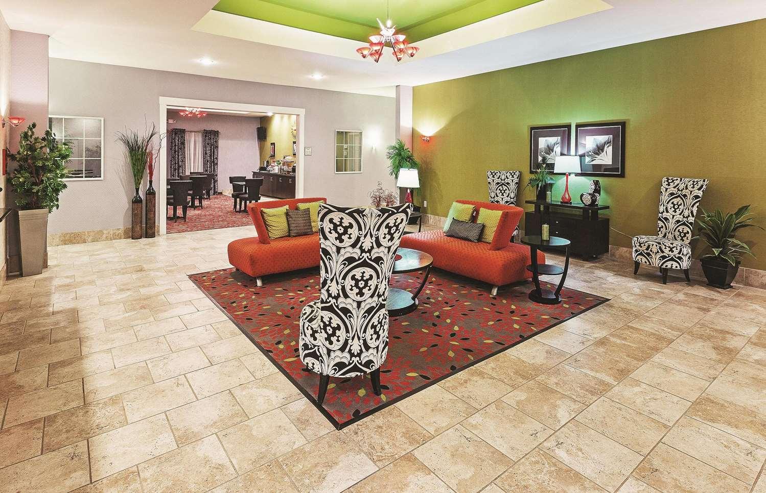 Lobby - La Quinta Inn & Suites Decatur