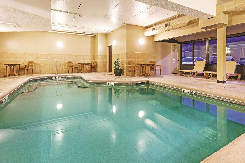 Pool - La Quinta Inn & Suites Sevierville