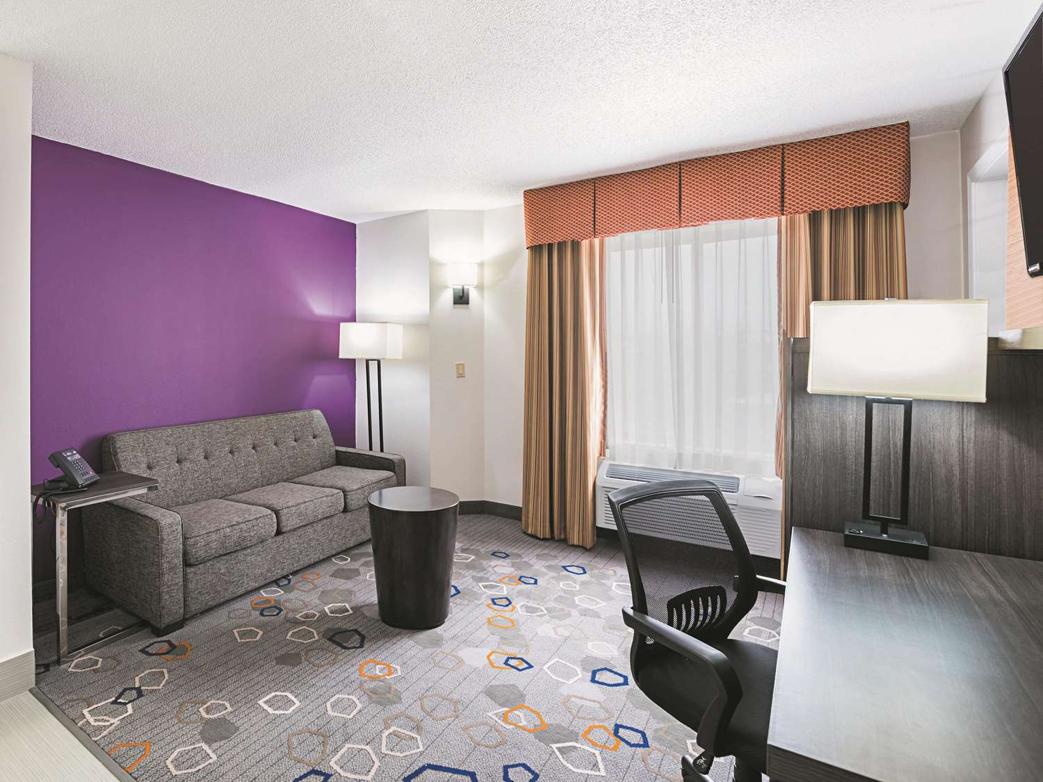 Suite - La Quinta Inn & Suites Brooklyn Park