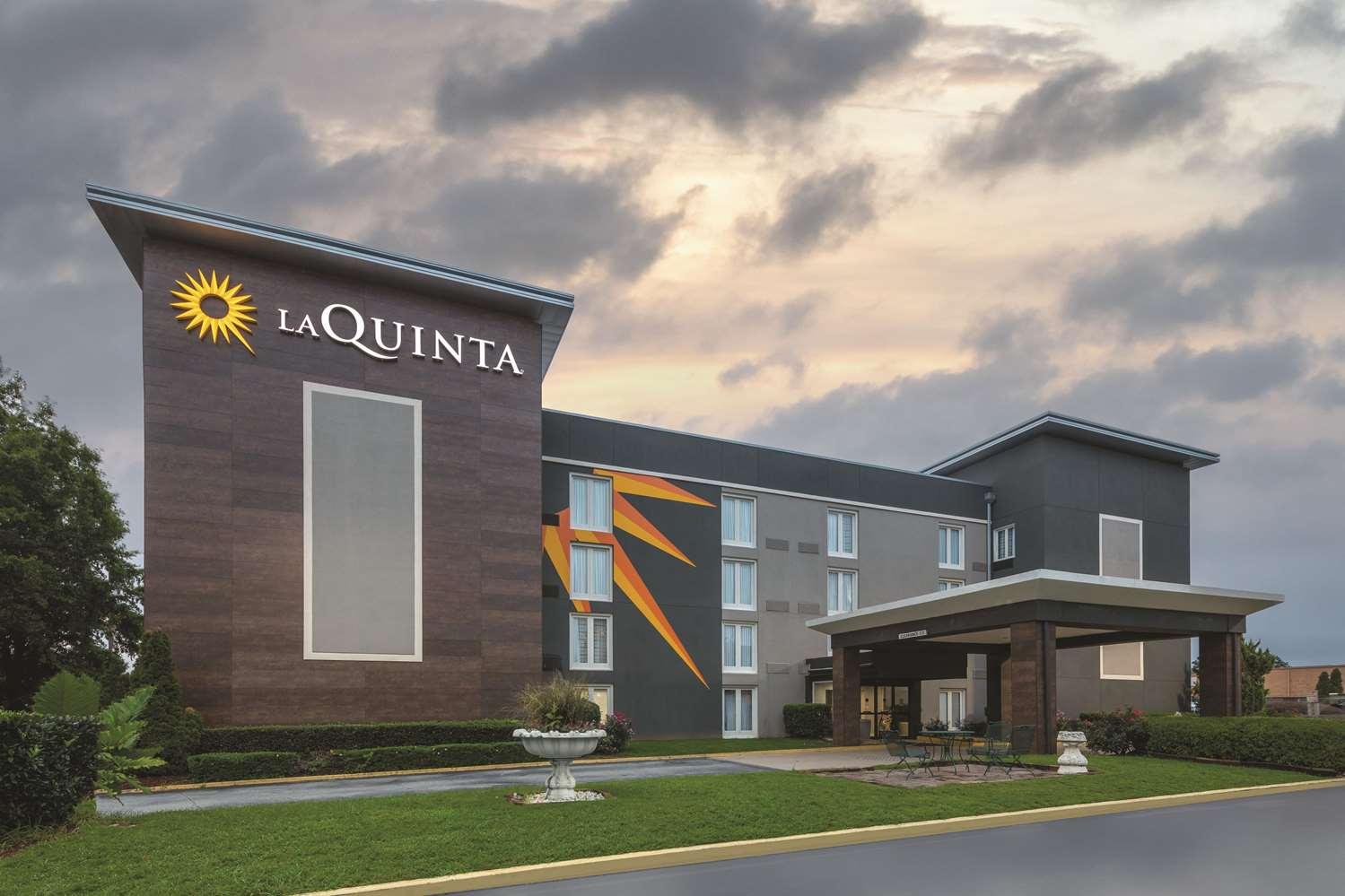 Exterior view - La Quinta Inn & Suites College Park