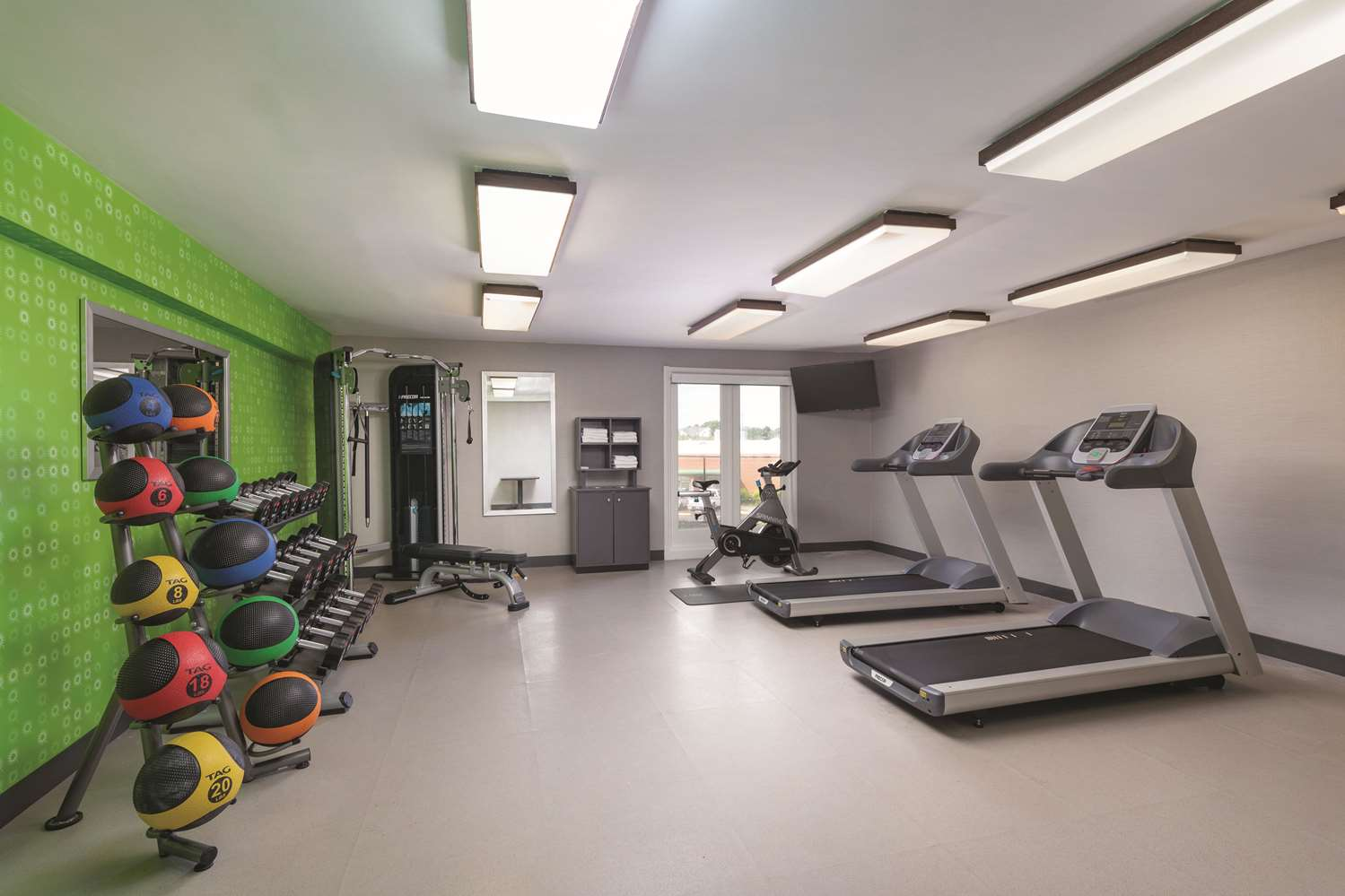 Fitness/ Exercise Room - La Quinta Inn & Suites College Park