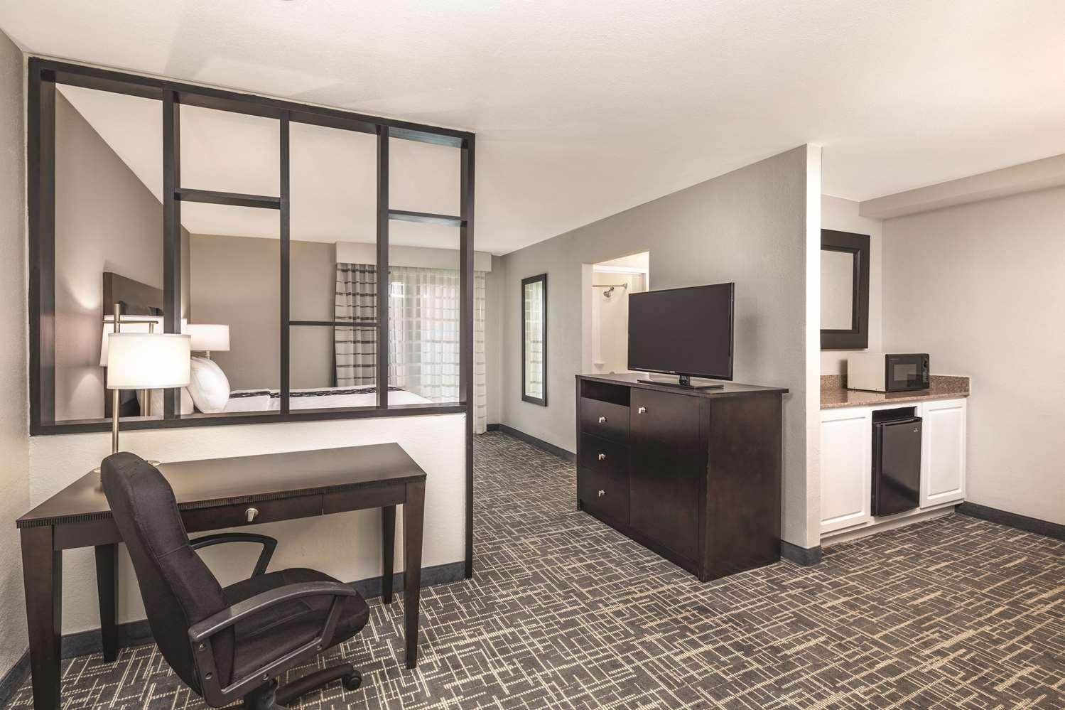 Room - La Quinta Inn & Suites College Park