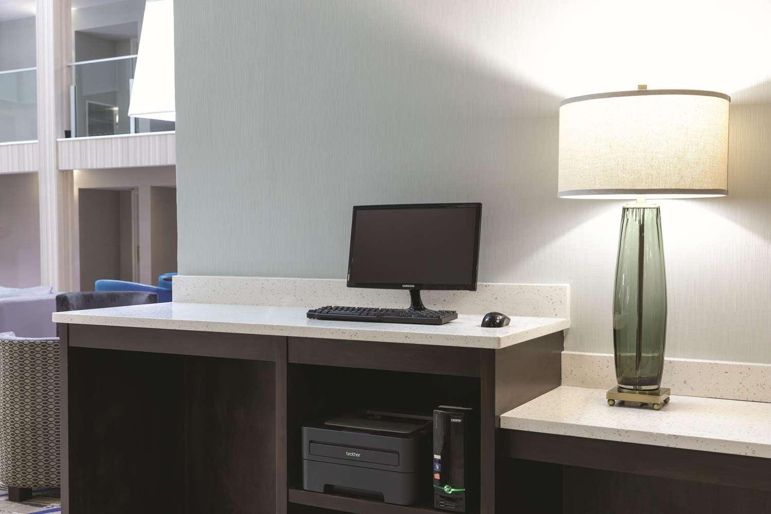 Conference Area - La Quinta Inn & Suites College Park