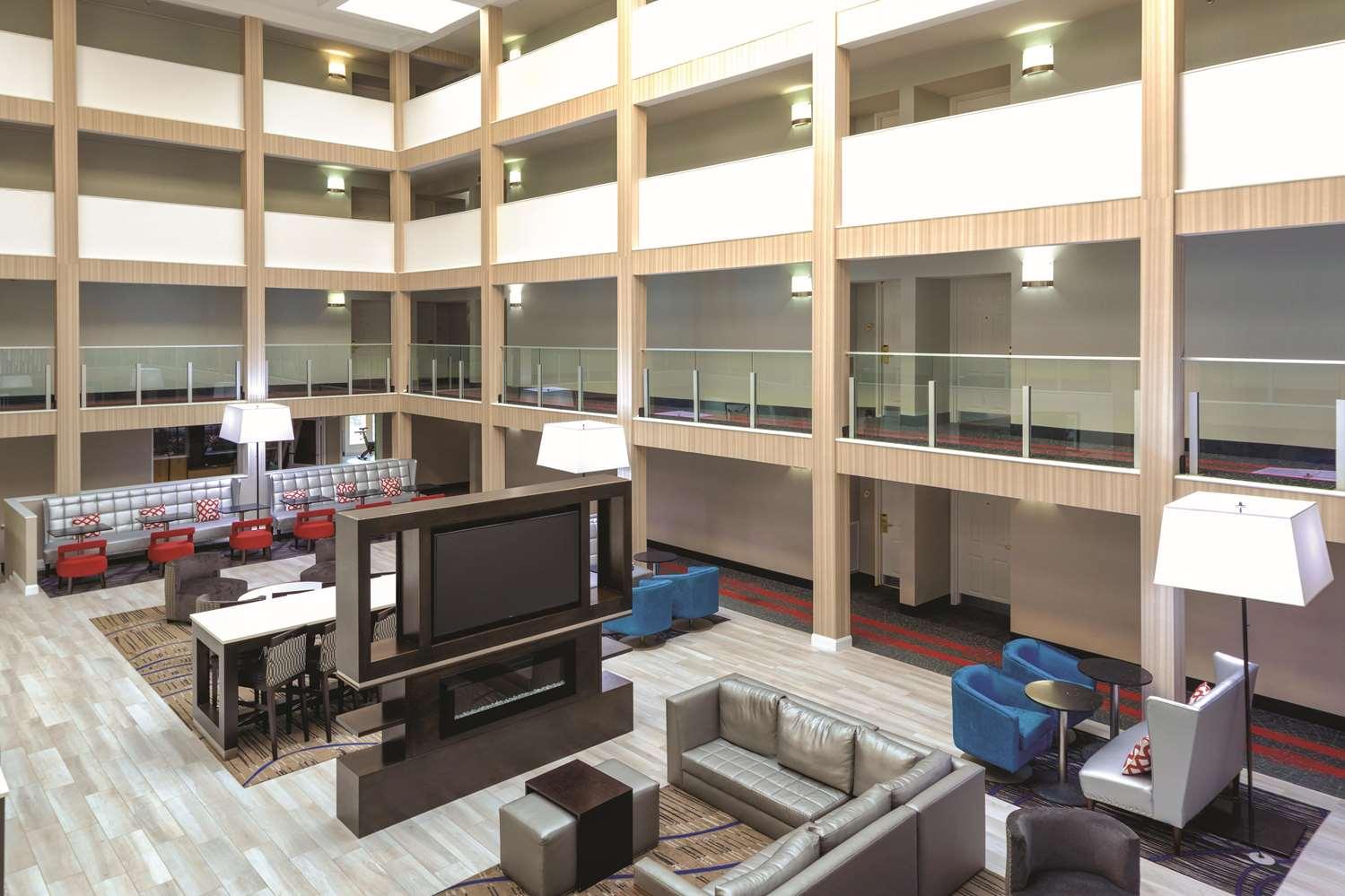 Lobby - La Quinta Inn & Suites College Park