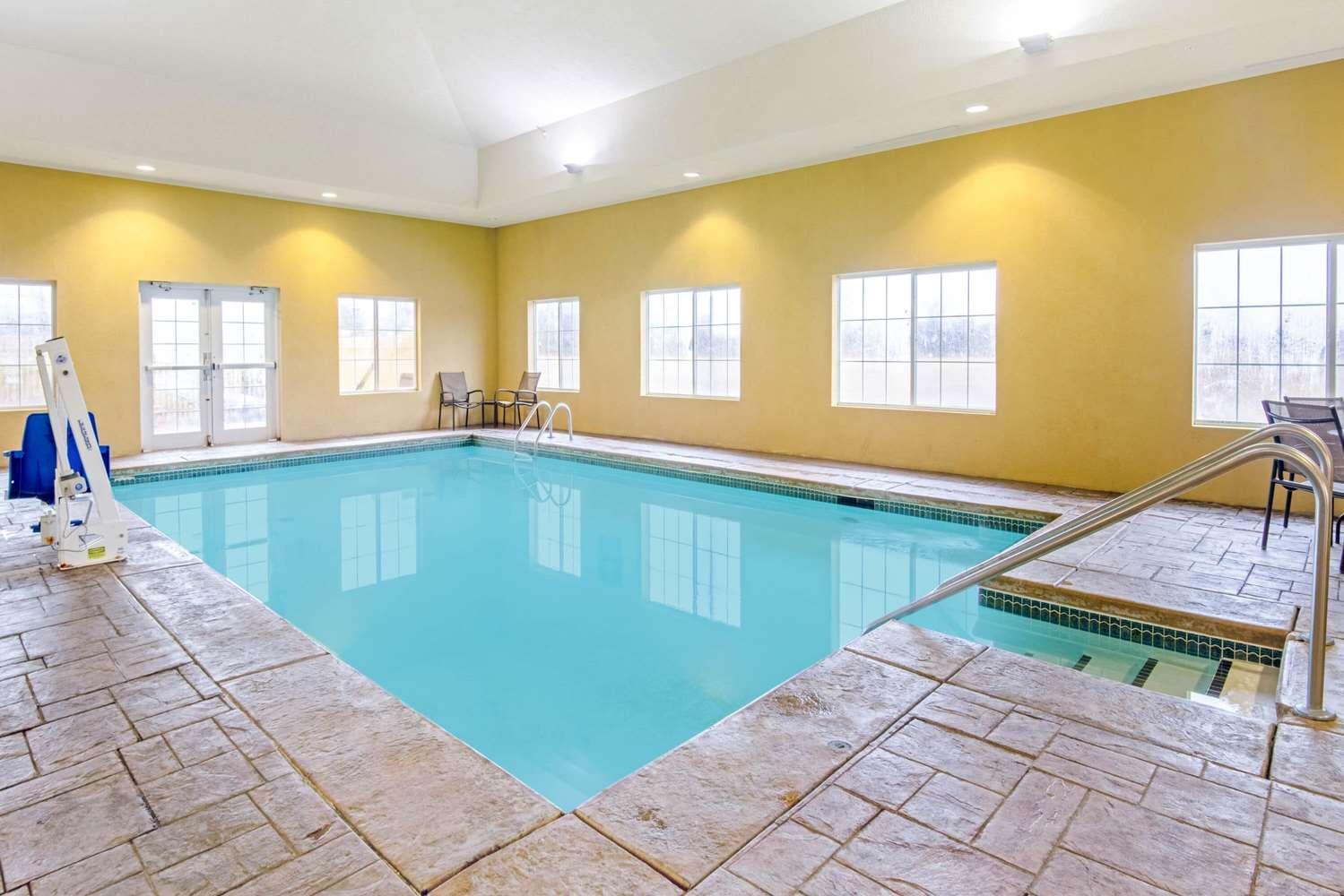 La Quinta Inn & Suites Lawton, OK - See