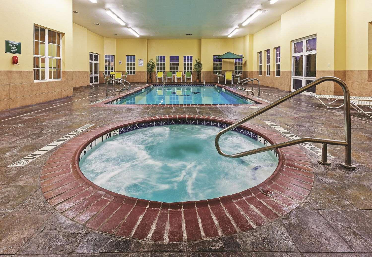 Pool - La Quinta Inn & Suites Eastland