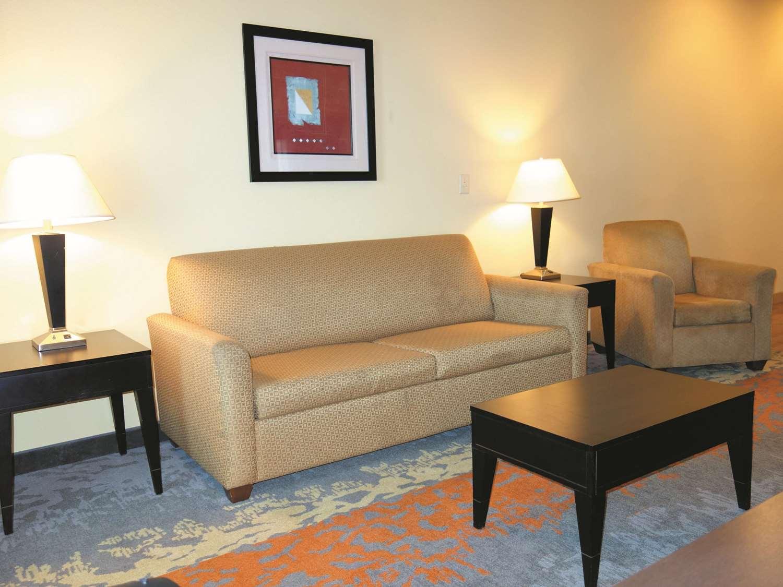 Suite - La Quinta Inn & Suites Eastland